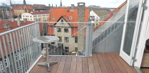 Med en altan får du mere plads og lys (foto: minaltan.dk)